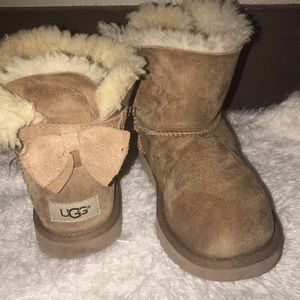 Bailey Button Girls UGGS (Size 3)